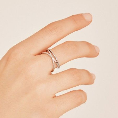 Tangled silver ring hand