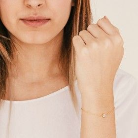 Dot gold bracelet detail