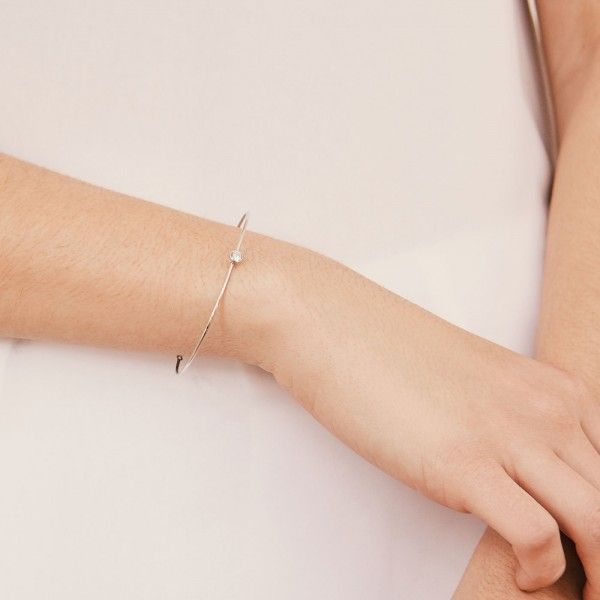 Doria silver bangle detail