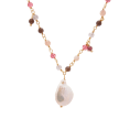 Pink Pearl Gold necklace detail