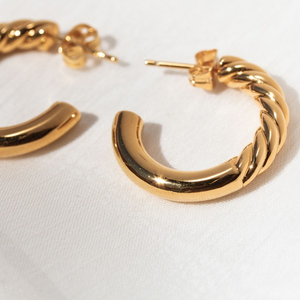 gold hoops Euphoria 4