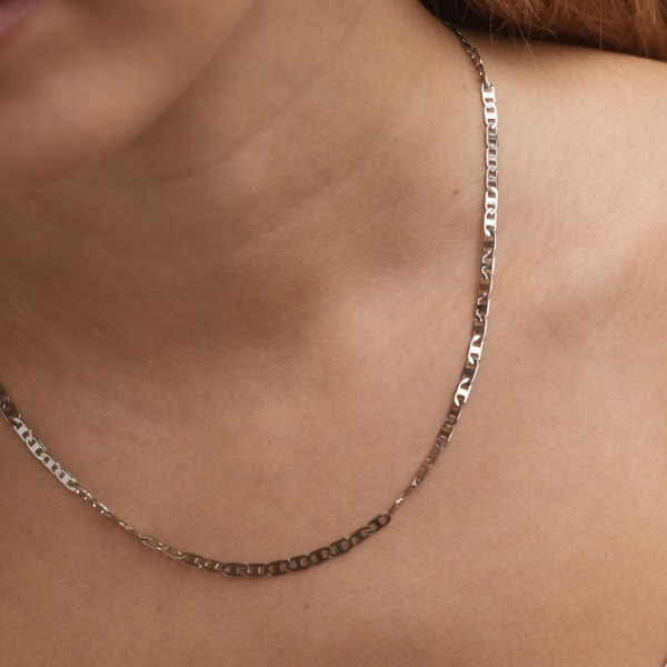 Thin silver chain necklace chica