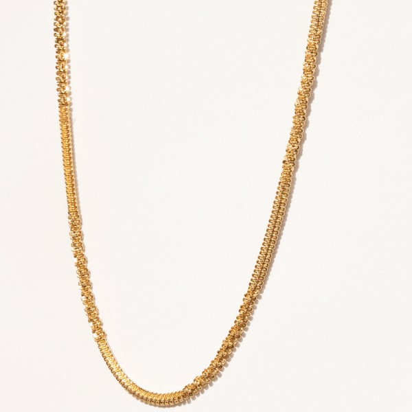 Gold texture thin chain necklace detail 2