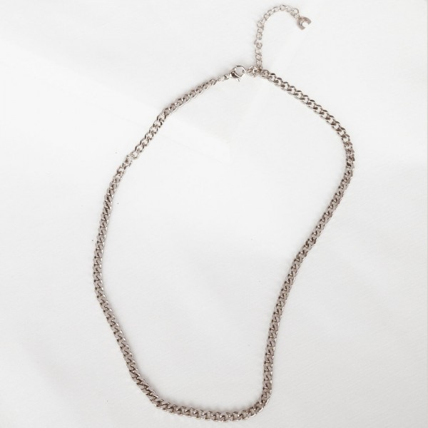 Silver link chain necklace detail 2