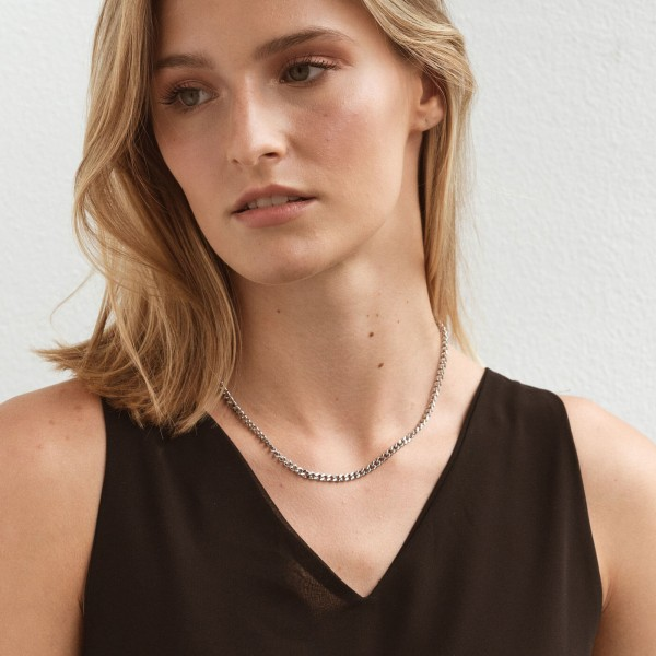 Silver link chain necklace girl